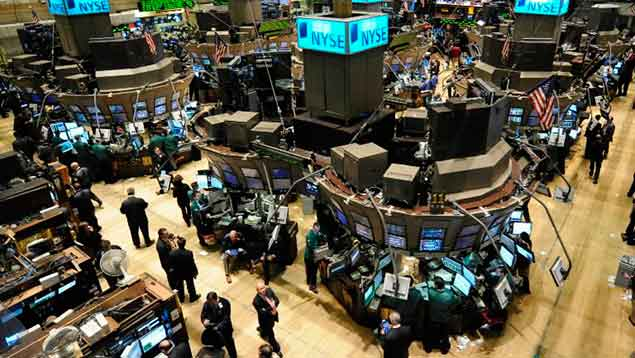 Wall Street cierra con ganancias y récord histórico del Dow Jones