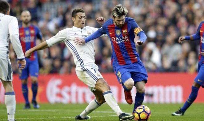 Barcelona y Real Madrid miden fuerzas buscando la Supercopa