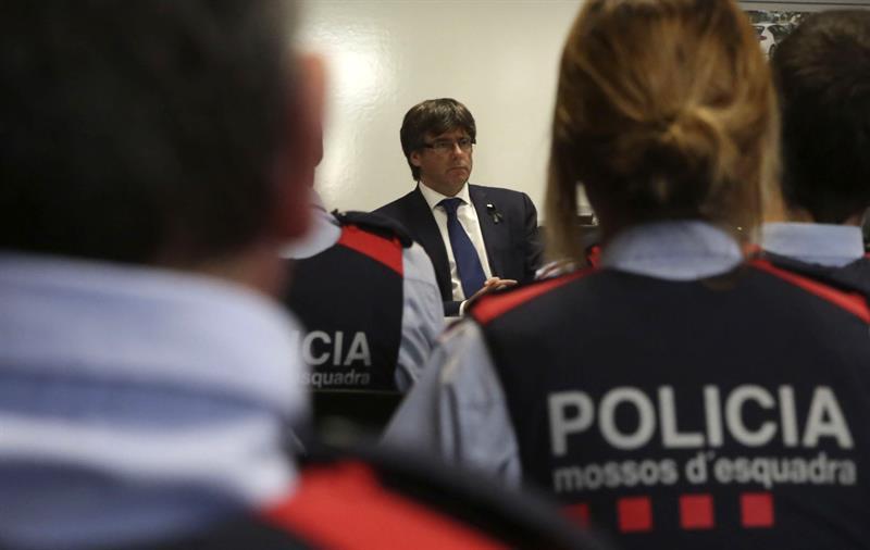 1503310657_Policia-de-España.jpg