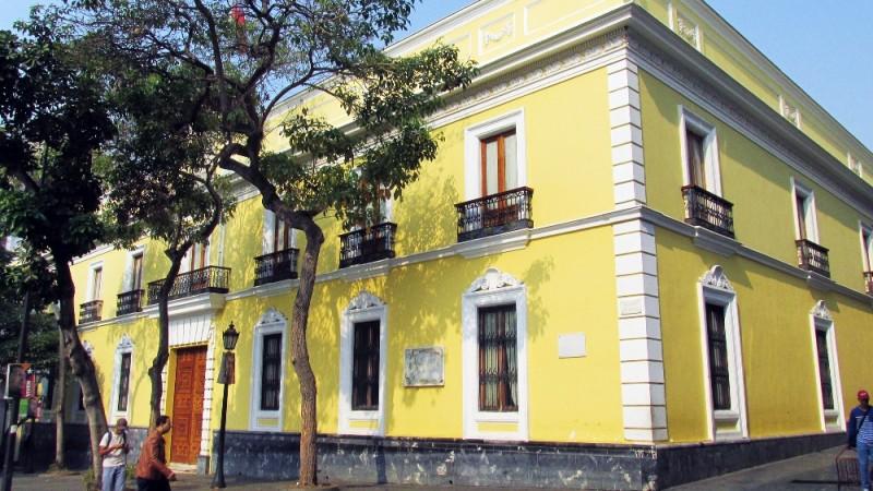 Casa-Amarilla-2-e1470407252944.jpg