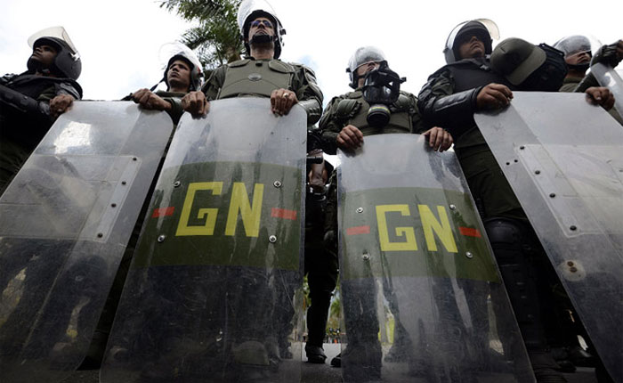 """Maduro: GNB cumple un papel """"clave"""" para la """"paz"""" de la patria"""