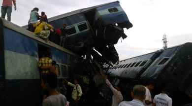 Tren-descarrilado-India-Uttar-Pradesh.jpg