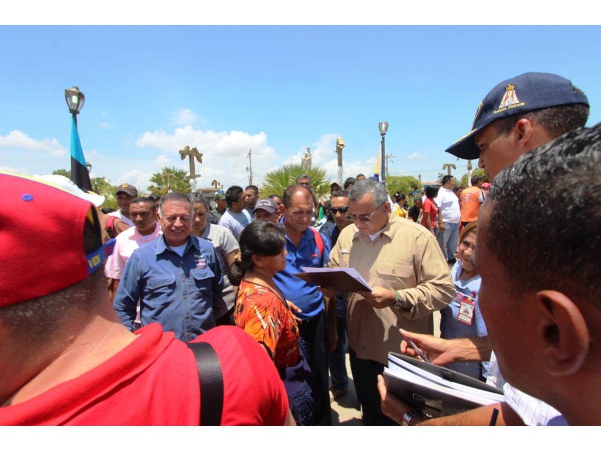 18_08_2017_em_conversatorio_con_pescadores_de_guajiraxalmirante_padilla_y_mara_x1x.jpg_271325807.jpg
