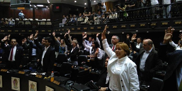 asamblea-nacional-diputados-votando-700×352.jpg