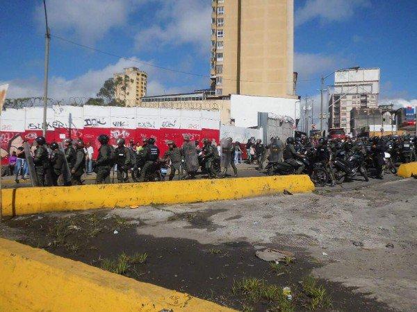 Cinco detenidas, un herido y tres motos robadas tras represión de la GNB en Los Teques