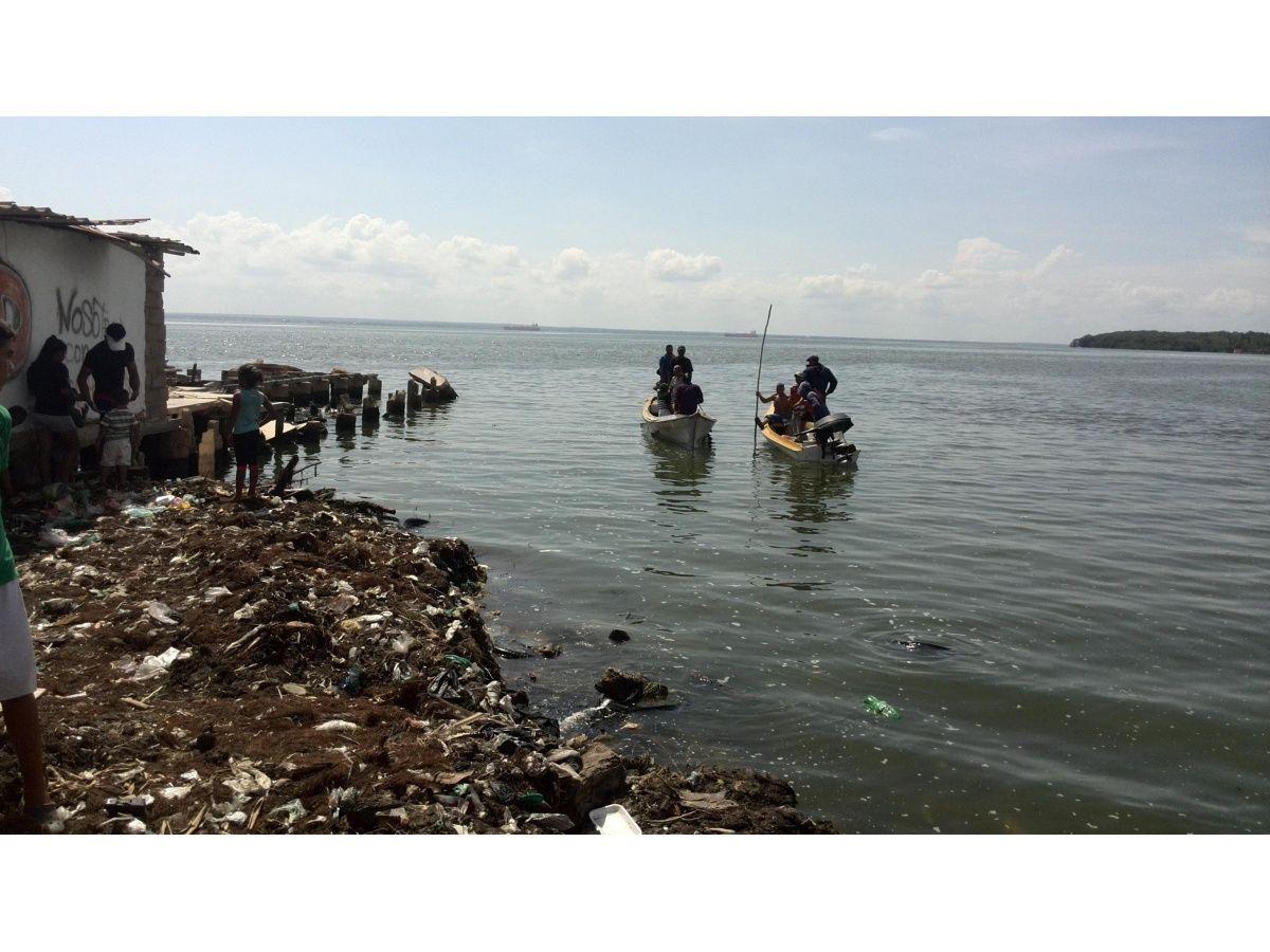 """Flotó cuerpo de la quinta víctima de """"Piratas del Lago"""""""