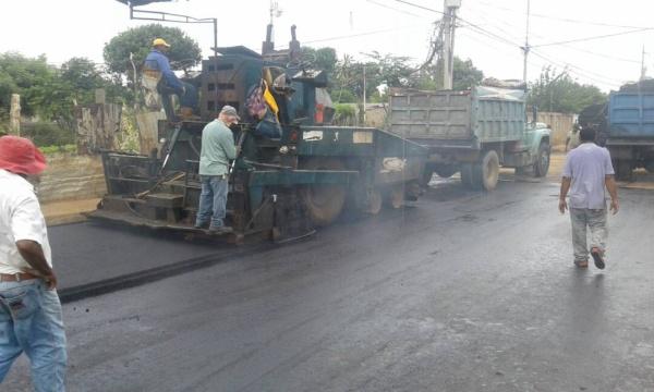 asfaltado_barrio_calendario_2.jpg_947062944.jpg