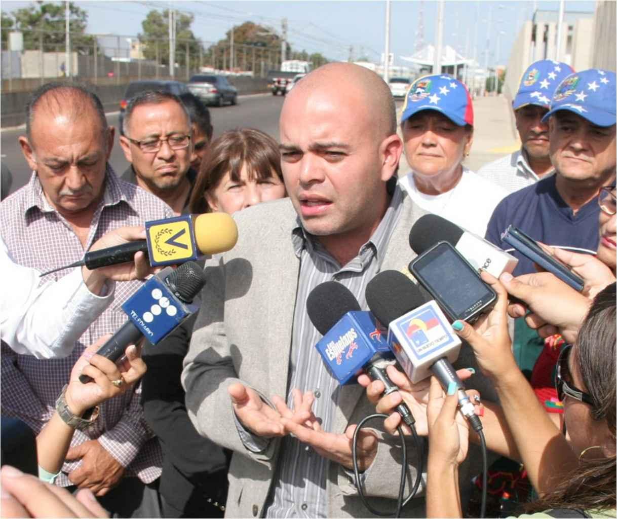 Leonardo Fernández aplaudió plan conjunto entre el CLEZ y Cantv para solucionar robo de cableado