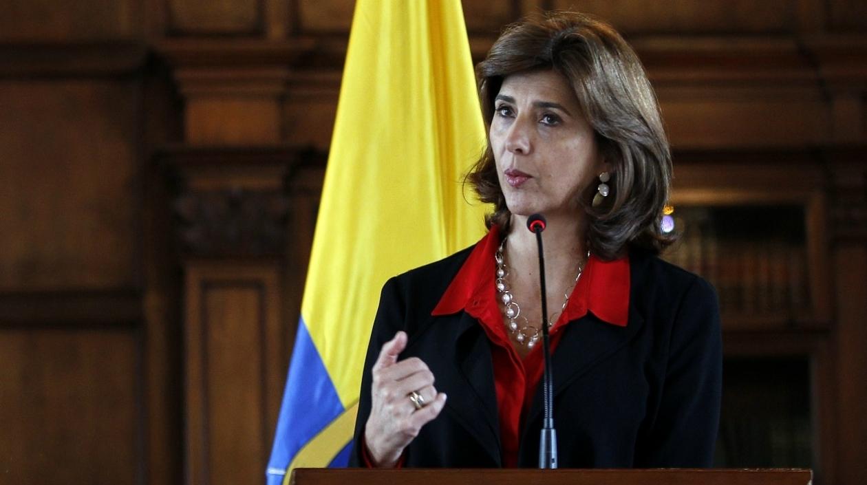 """Cancillería de Colombia aseguró que gobierno de Maduro """"pasó la línea"""""""
