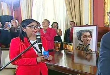 """Delcy Rodríguez: """"Vinimos a defender, profundizar y renovar la Constitución"""""""