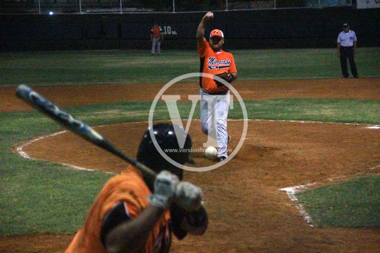 Softbol de altura en el Colegio de Abogados