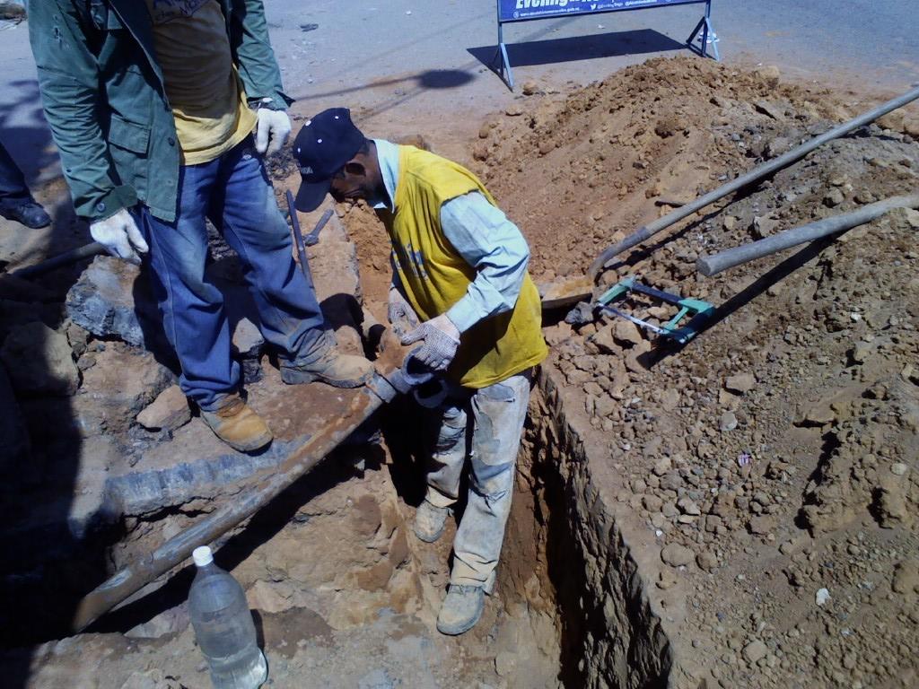 Tubería de gas averiada por trabajos de Hidrolago en Los Mangos fue reparada