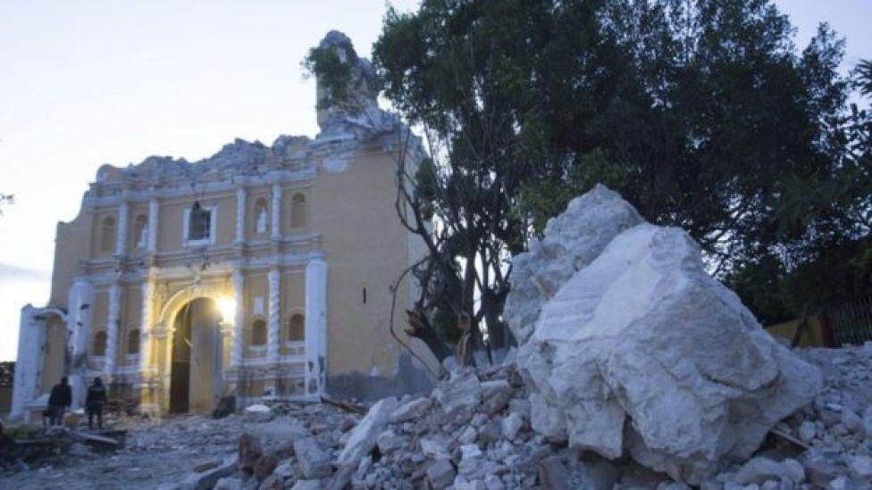 La tragedia de los 12 miembros de una familia que murieron durante el terremoto en México mientras celebraban un bautizo