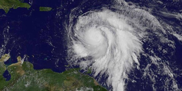 Al menos 5 personas murieron en Dominica por huracán María, según medios
