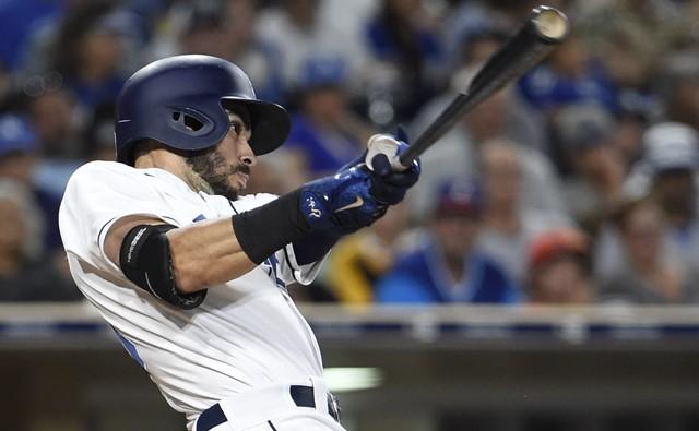 Carlos Asuaje decretó con jonrón la barrida de Padres a Dodgers