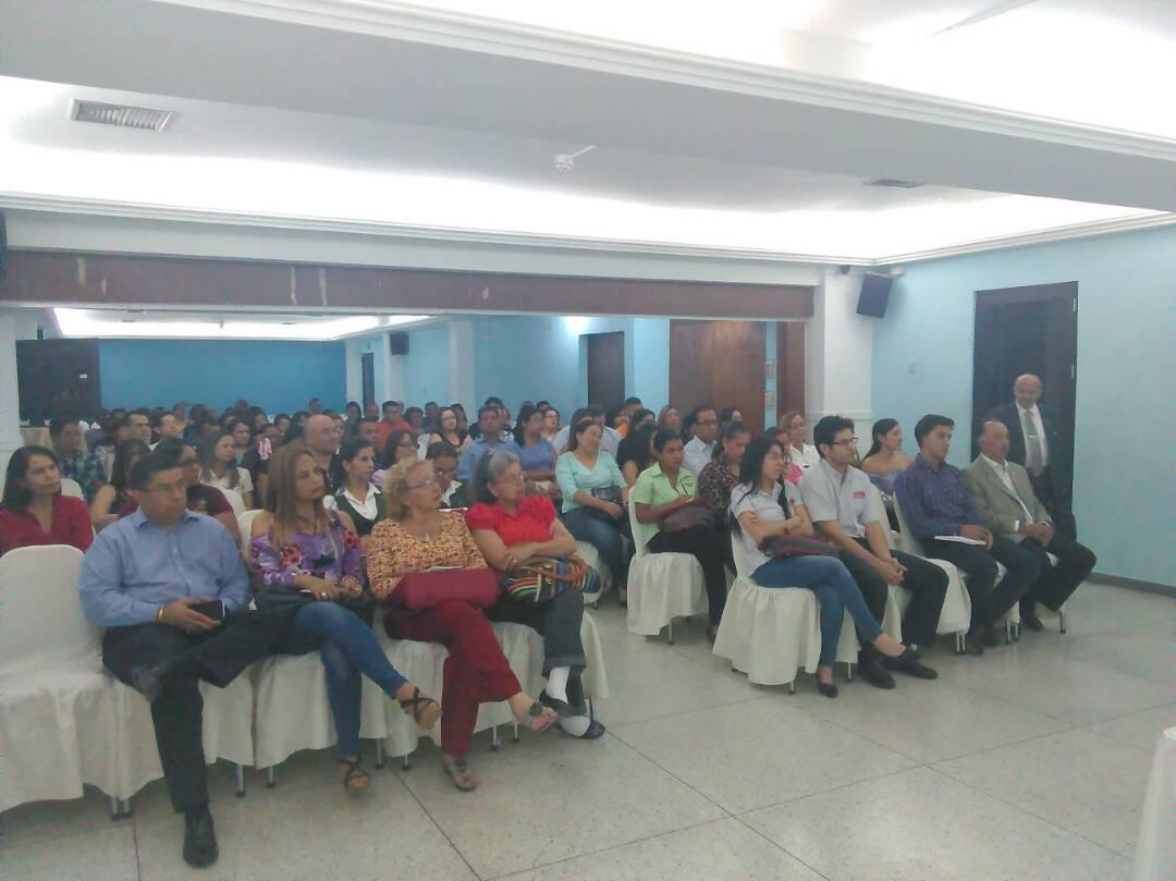 Colegio de Contadores Públicos del Zulia realizó conversatorio sobre los recientes anuncios presidenciales