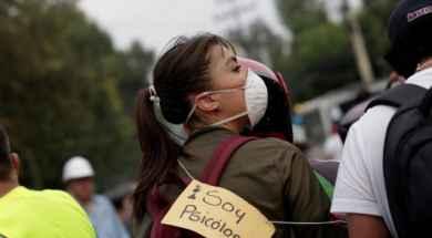 Una-Psicóloga-intenta-ayudar-a-los-afectados-por-terremoto-en-México-800×555-700×352.jpg