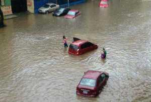 caracas_inundaciones_4sep2017_1-300×203.jpg