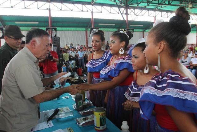 Gobierno Regional beneficia a más de 1 mil productores con entrega de títulos de tierra