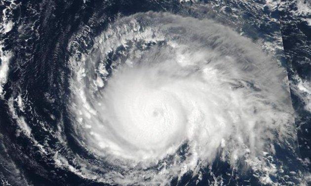 La tormenta tropical José se mantiene frente a la costa noreste de EE.UU.
