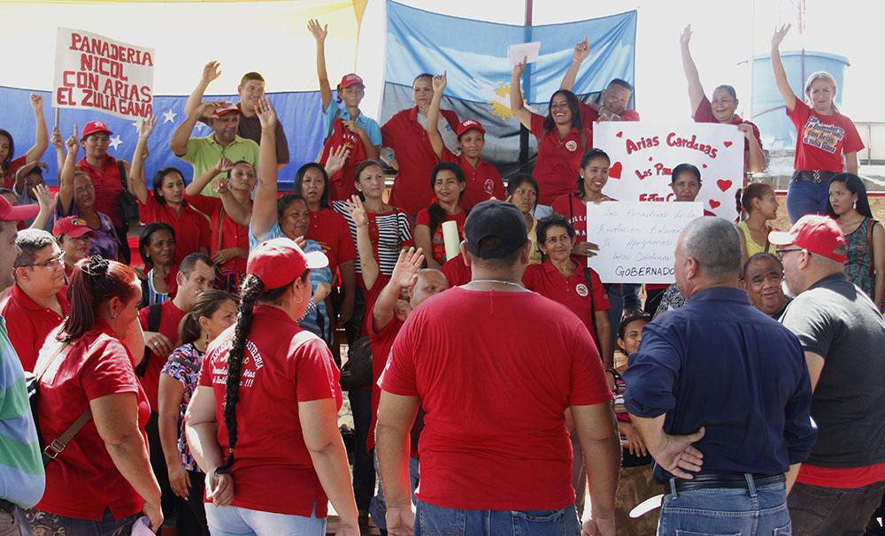 ''Panaderos con Arias el Zulia gana'' El sector panadero en el Zulia respalda la candidatura del Gobernador Arias Cárdenas