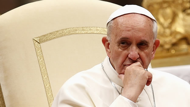 Papa Francisco no otorgará recursos ni concederá gracia a curas pederastas