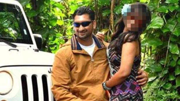 """¿Qué clase de loco es este? Pide ayuda a sus padres para """"disciplinar"""" a su mujer y viajan de la India a Florida para pegarle una paliza"""