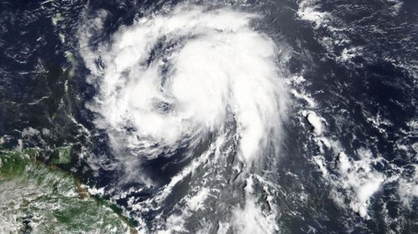 Huracán María dejó severos daños en Puerto Rico y se dirige a Dominicana